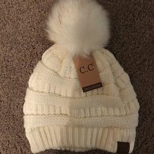 NWT C.G. Warm winter beanie with Pom Pom OS